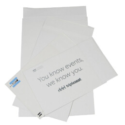 White kraft mailers for clothing and e-commerce